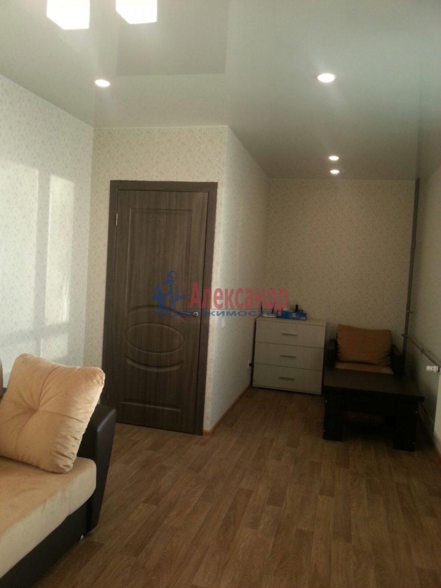 1-комнатная квартира (41м2) в аренду по адресу Мурино пос., Авиаторов Балтики пр., 5— фото 4 из 9