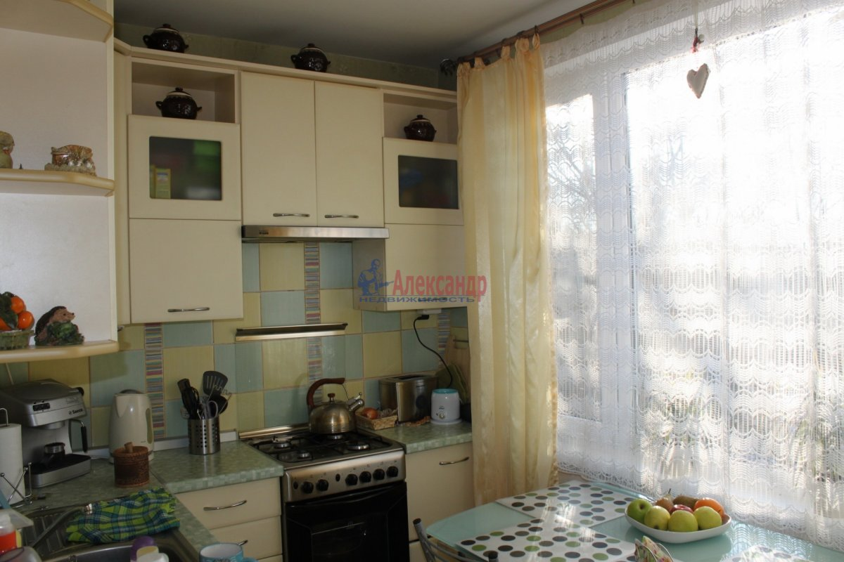 1-комнатная квартира (35м2) в аренду по адресу Белградская ул., 44— фото 1 из 2
