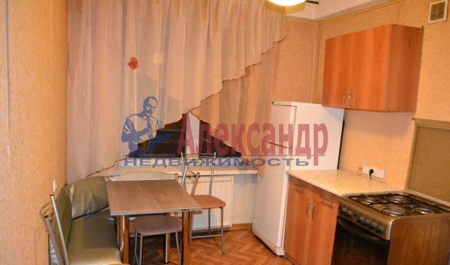 2-комнатная квартира (62м2) в аренду по адресу Ленинский пр., 76— фото 2 из 5