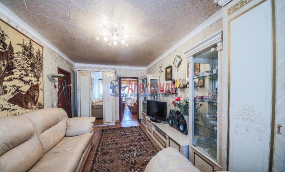 3-комнатная квартира (70м2) в аренду по адресу Композиторов ул., 24— фото 4 из 7
