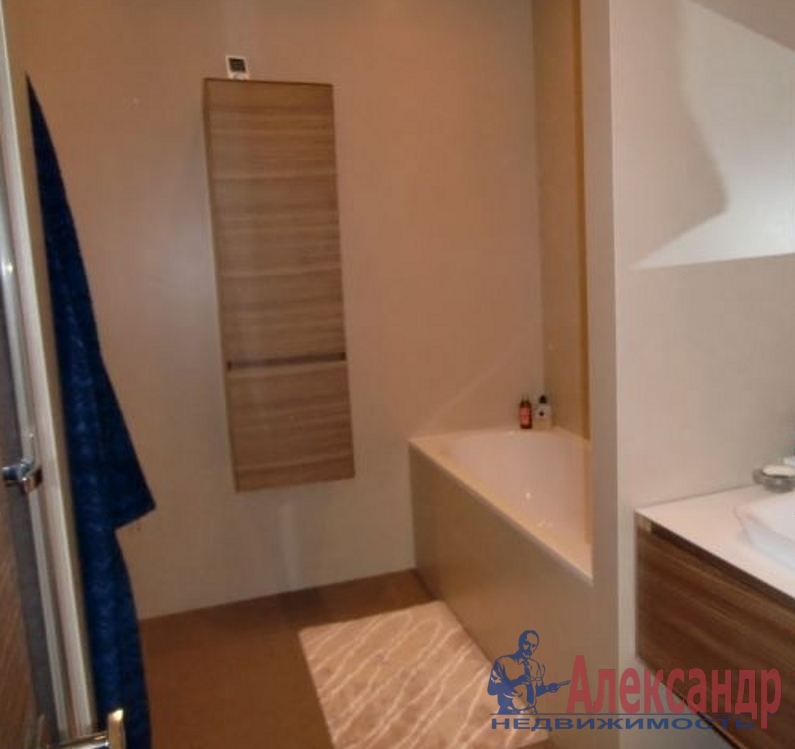 3-комнатная квартира (100м2) в аренду по адресу Кораблестроителей ул., 30— фото 4 из 4