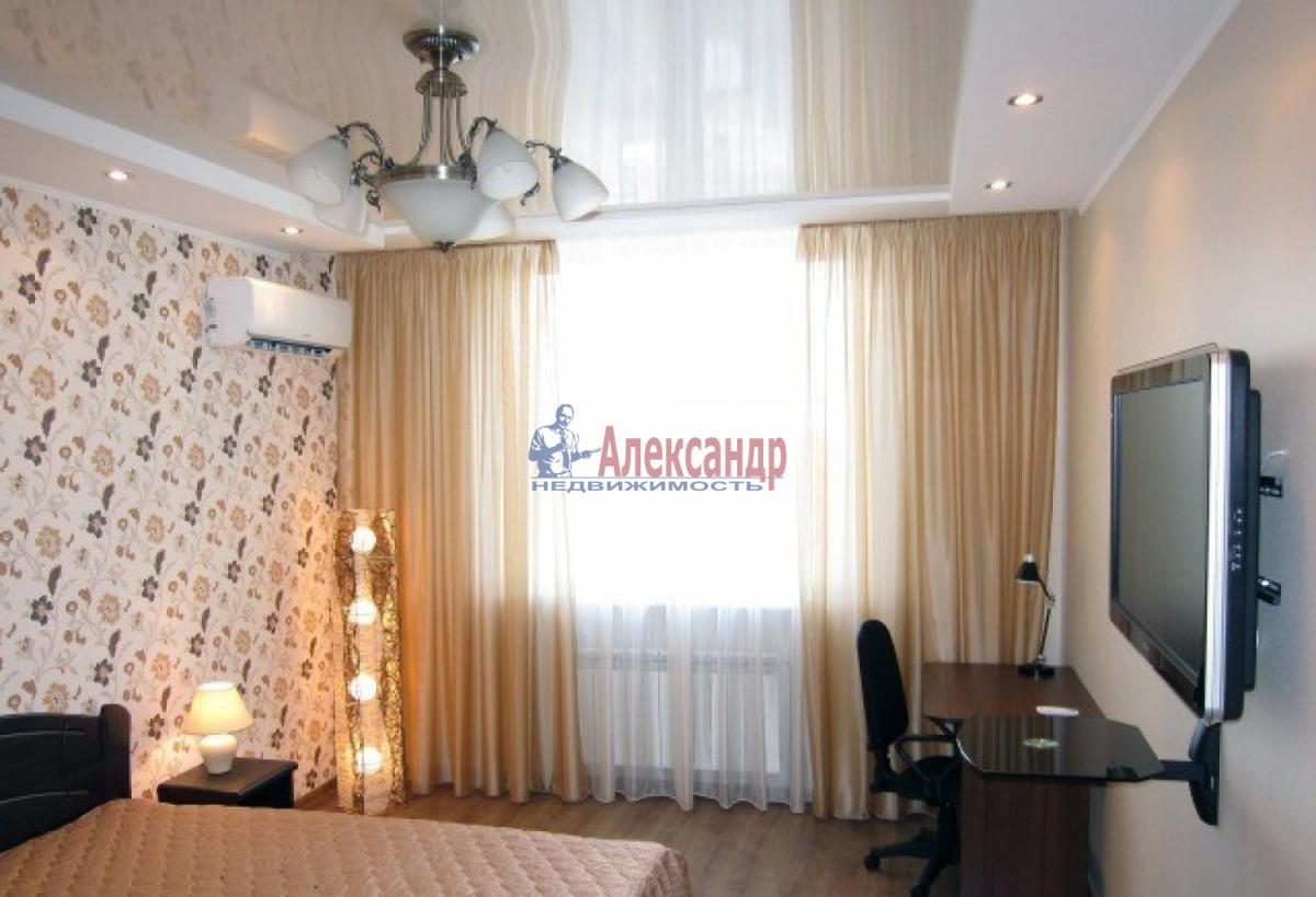 1-комнатная квартира (45м2) в аренду по адресу Коломяжский пр., 15— фото 2 из 5