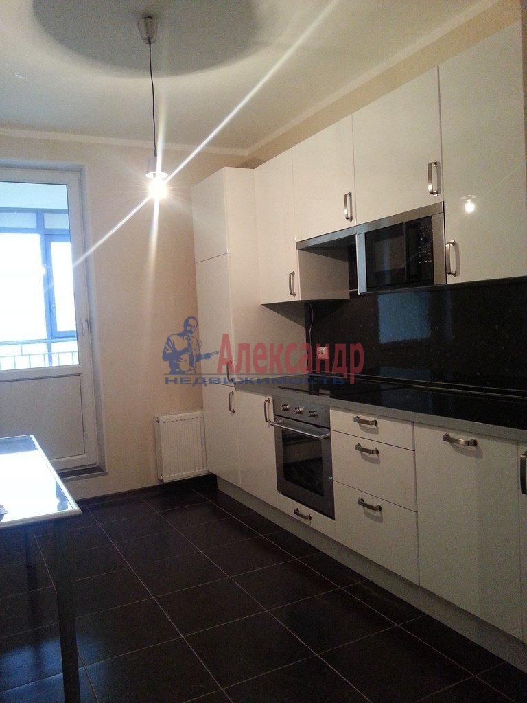 2-комнатная квартира (70м2) в аренду по адресу Народного Ополчения пр., 10— фото 2 из 17