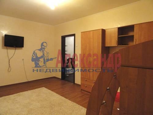 2-комнатная квартира (69м2) в аренду по адресу Коломяжский пр., 28— фото 7 из 9