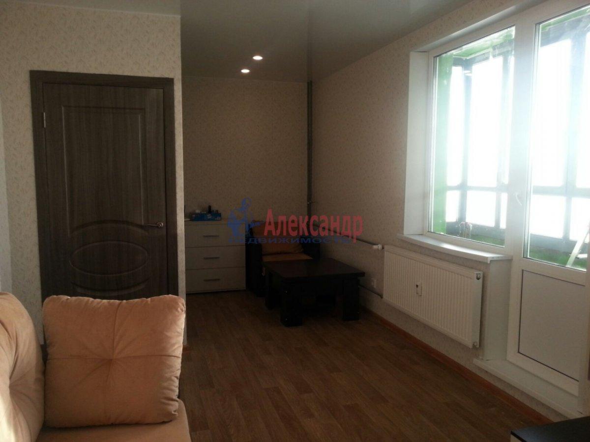 1-комнатная квартира (41м2) в аренду по адресу Мурино пос., Авиаторов Балтики пр., 5— фото 5 из 9