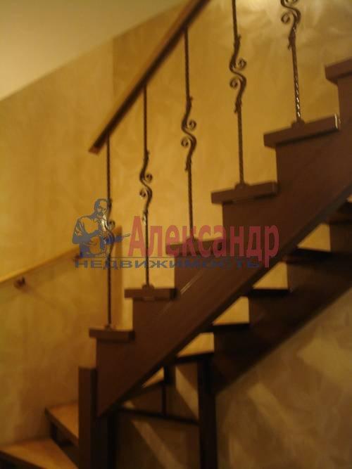 2-комнатная квартира (71м2) в аренду по адресу Есенина ул., 1— фото 3 из 10