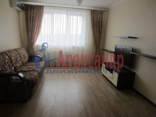 1-комнатная квартира (40м2) в аренду по адресу Гаккелевская ул., 32— фото 1 из 4