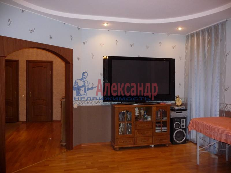 3-комнатная квартира (103м2) в аренду по адресу Ветеранов пр., 122— фото 2 из 17