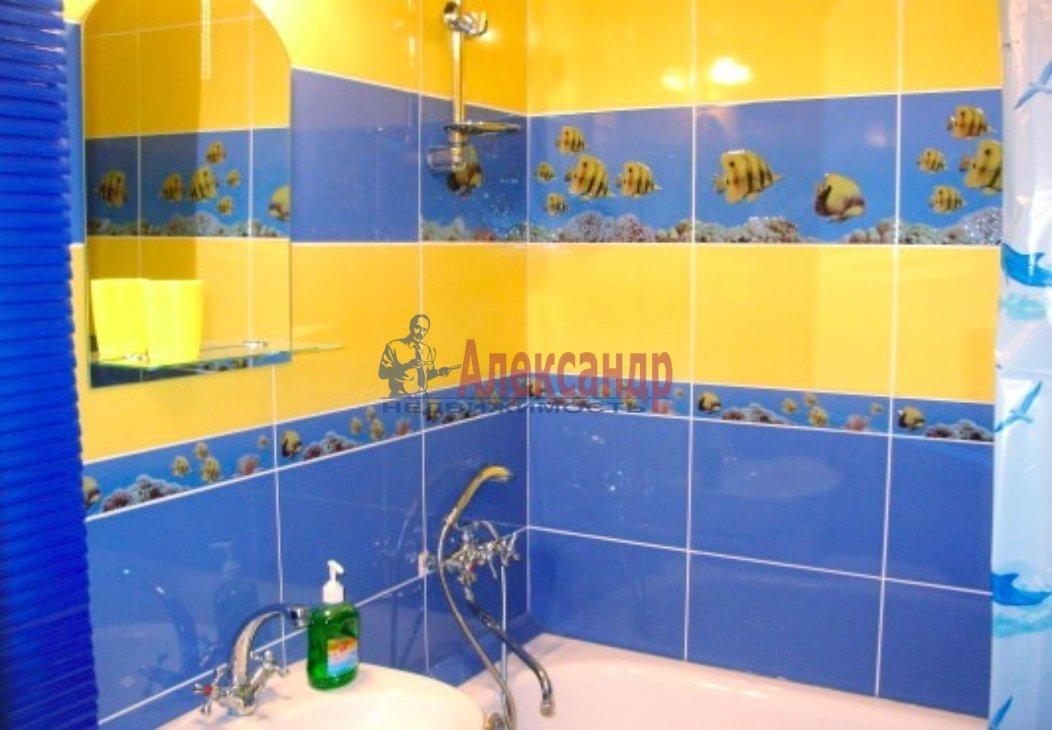 1-комнатная квартира (48м2) в аренду по адресу Искровский пр., 32— фото 3 из 5
