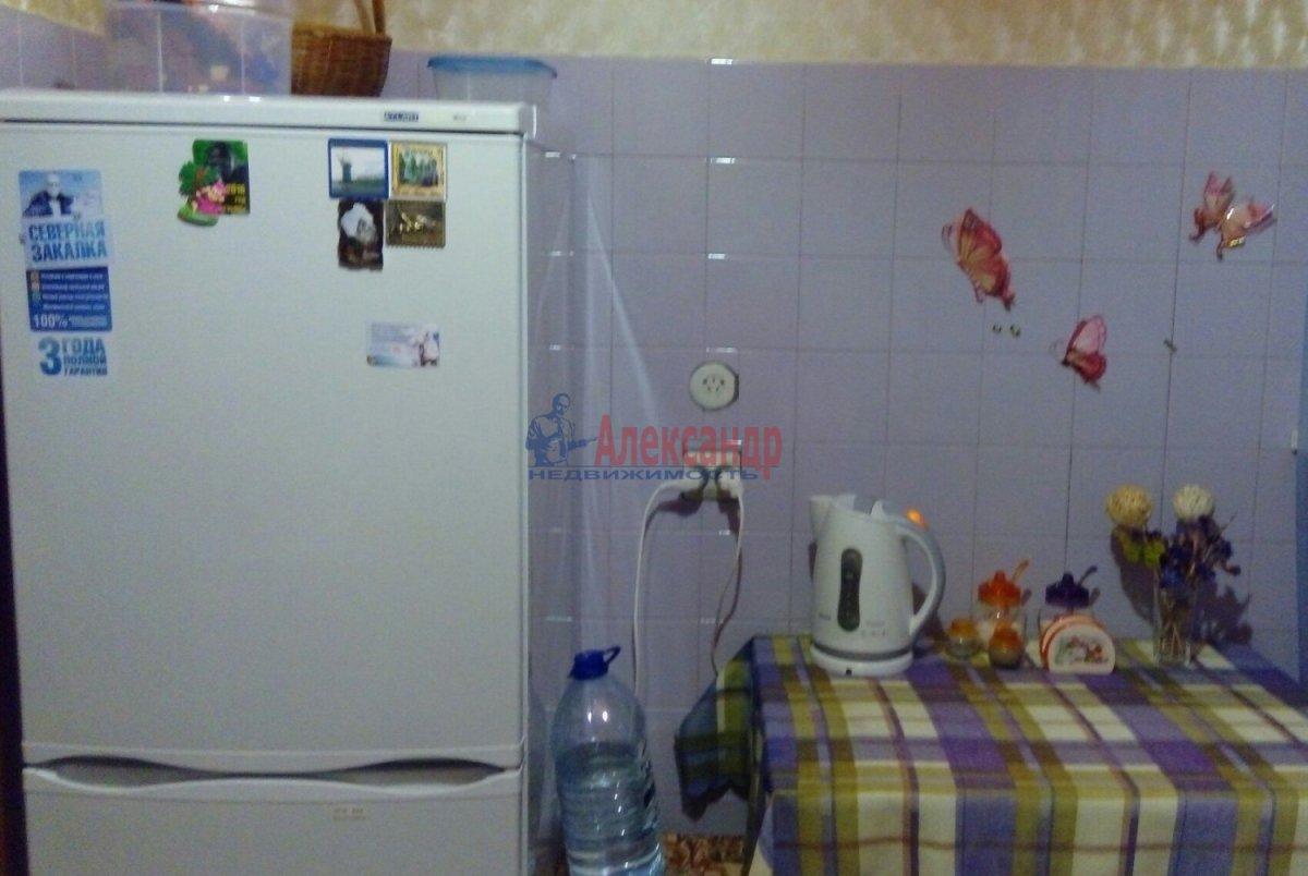 Комната в 2-комнатной квартире (49м2) в аренду по адресу Олеко Дундича ул., 8— фото 2 из 3