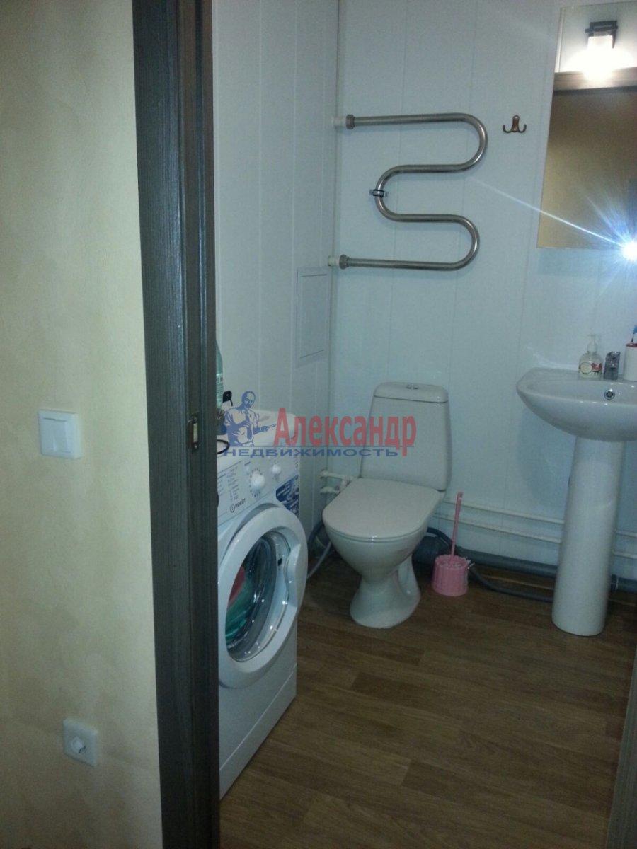 1-комнатная квартира (41м2) в аренду по адресу Мурино пос., Авиаторов Балтики пр., 5— фото 7 из 9