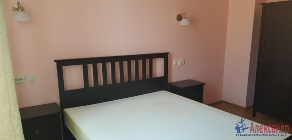 2-комнатная квартира (58м2) в аренду по адресу Стахановцев ул., 4— фото 2 из 3