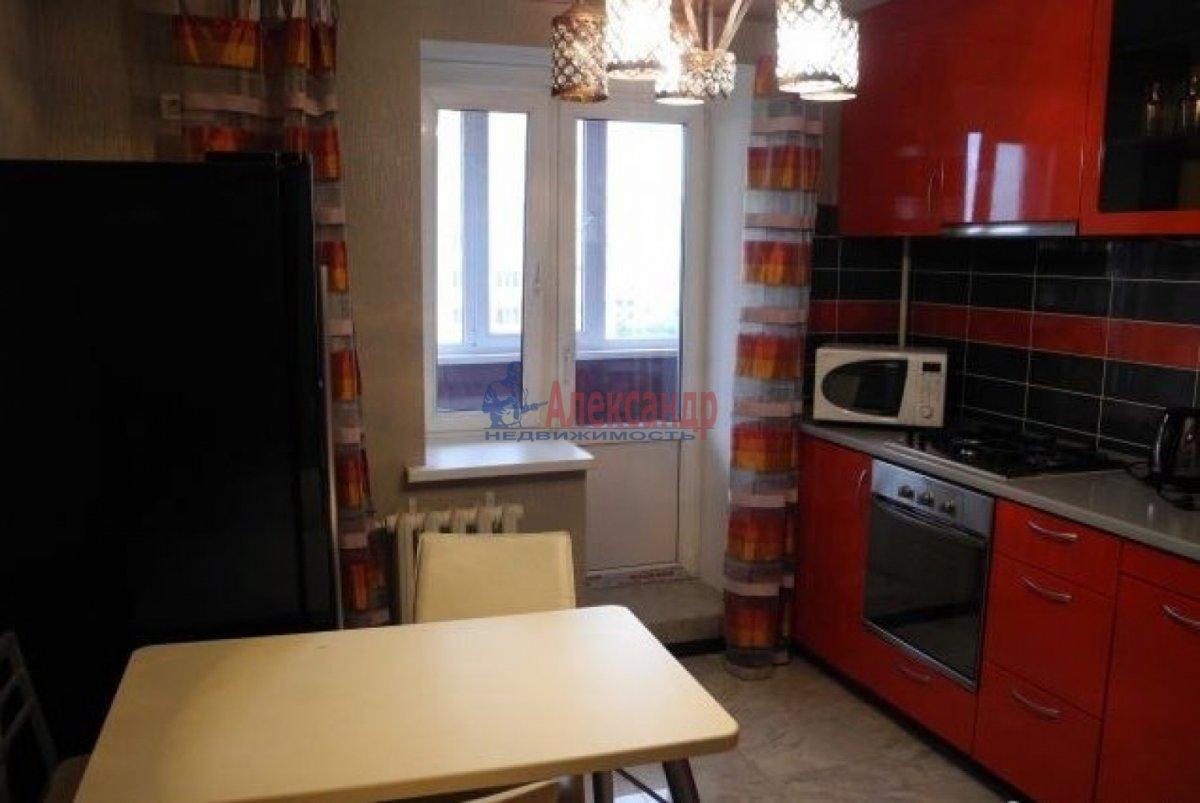 2-комнатная квартира (66м2) в аренду по адресу Ленинский пр., 114— фото 1 из 6