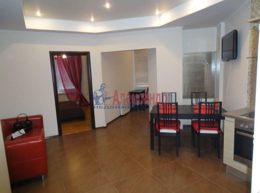 2-комнатная квартира (65м2) в аренду по адресу Ткачей ул., 5— фото 3 из 8
