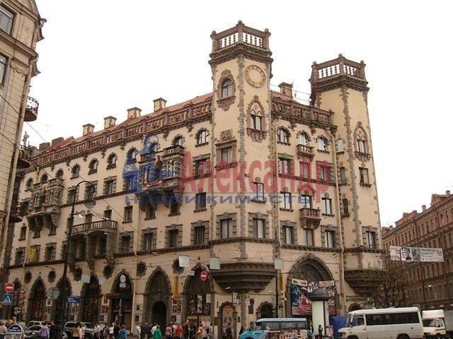2-комнатная квартира (70м2) в аренду по адресу Каменноостровский пр., 35/75— фото 4 из 9