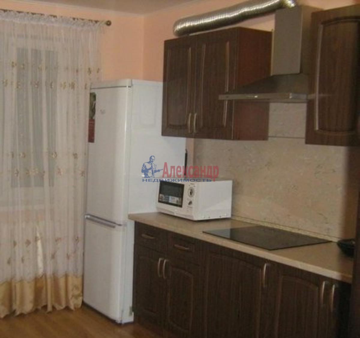 Комната в 2-комнатной квартире (43м2) в аренду по адресу Славы пр., 16— фото 2 из 4
