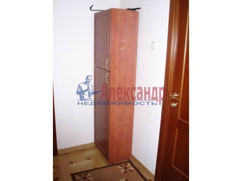 1-комнатная квартира (43м2) в аренду по адресу Большеохтинский пр., 9— фото 8 из 11