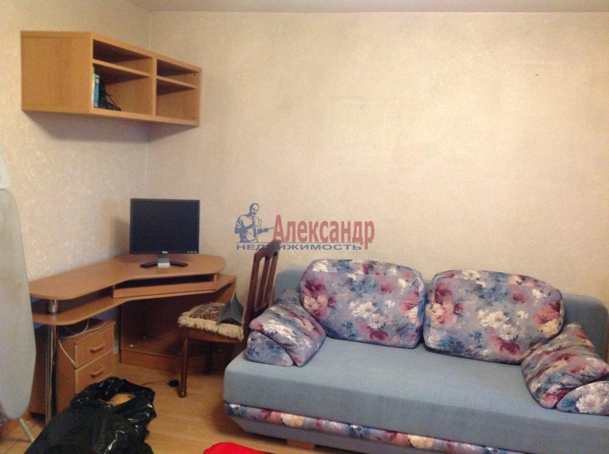 3-комнатная квартира (70м2) в аренду по адресу Новосмоленская наб., 1— фото 3 из 6
