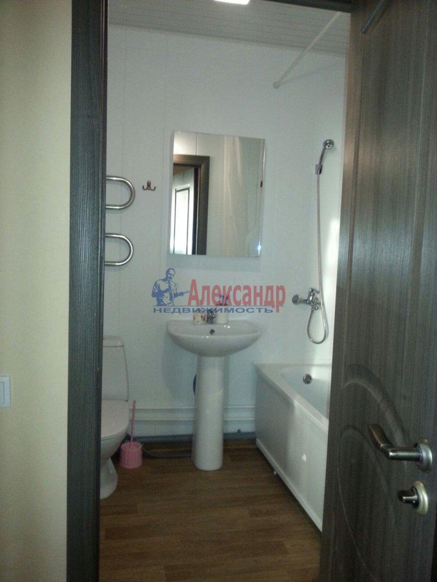 1-комнатная квартира (41м2) в аренду по адресу Мурино пос., Авиаторов Балтики пр., 5— фото 9 из 9