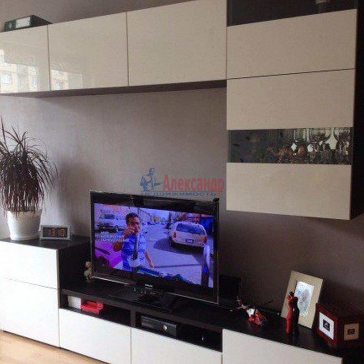 2-комнатная квартира (54м2) в аренду по адресу Елизарова пр., 18— фото 1 из 8