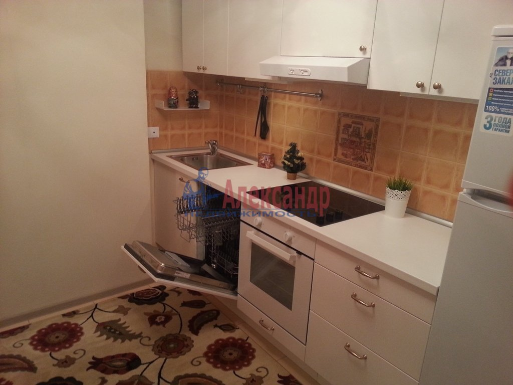 1-комнатная квартира (41м2) в аренду по адресу Ленинский пр., 151— фото 1 из 13