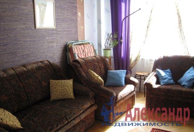 2-комнатная квартира (39м2) в аренду по адресу Шелгунова ул., 8— фото 1 из 3