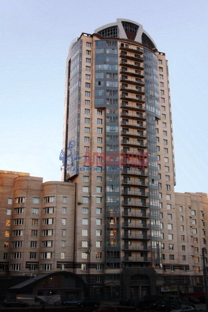 2-комнатная квартира (69м2) в аренду по адресу Есенина ул., 1— фото 8 из 11