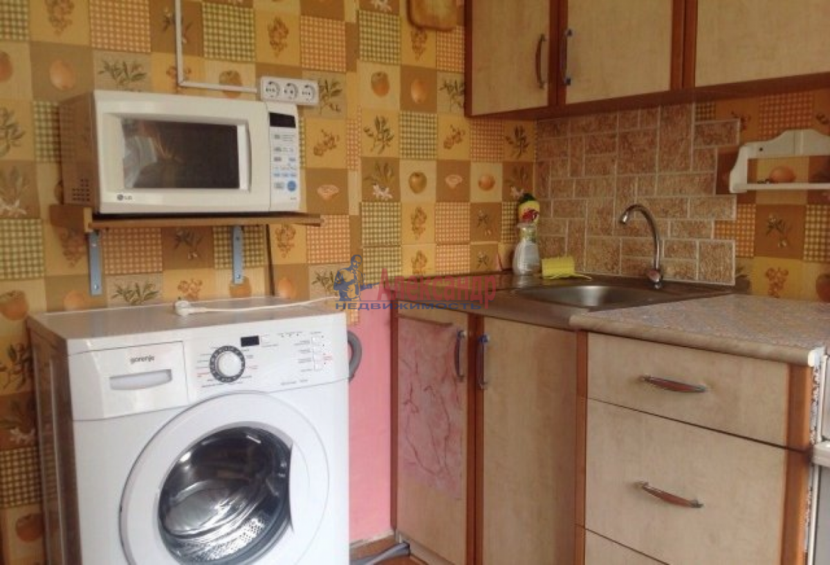 Комната в 3-комнатной квартире (56м2) в аренду по адресу Пловдивская ул., 3— фото 3 из 5