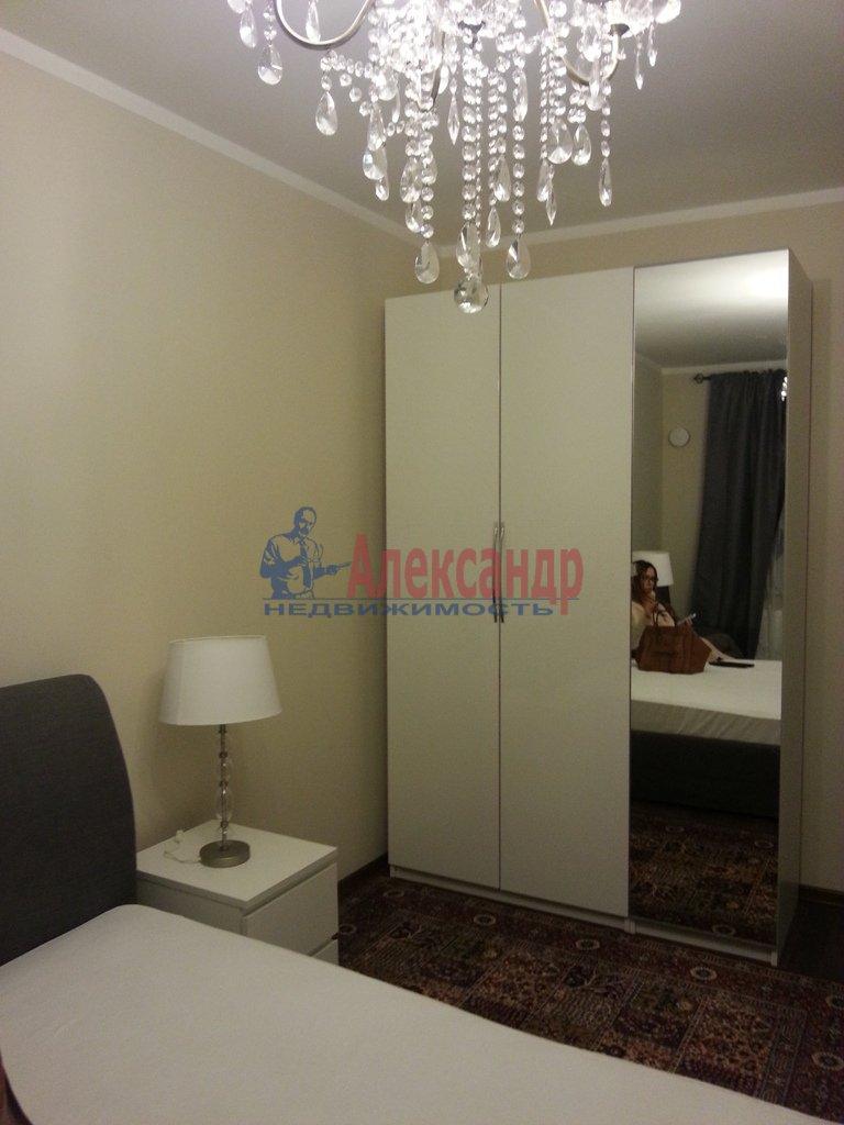 2-комнатная квартира (70м2) в аренду по адресу Народного Ополчения пр., 10— фото 9 из 17