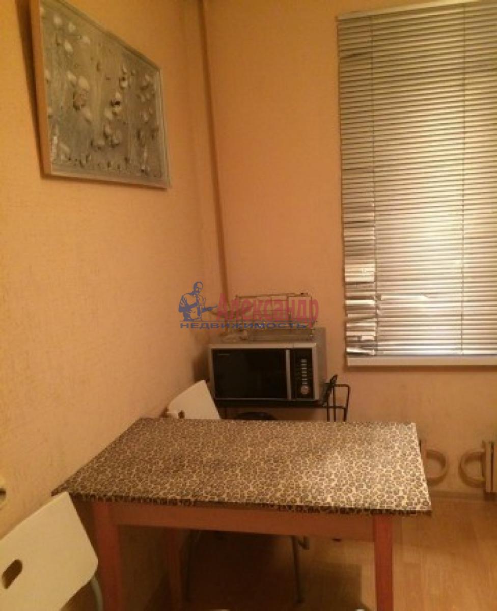 1-комнатная квартира (33м2) в аренду по адресу Зины Портновой ул., 25— фото 4 из 7