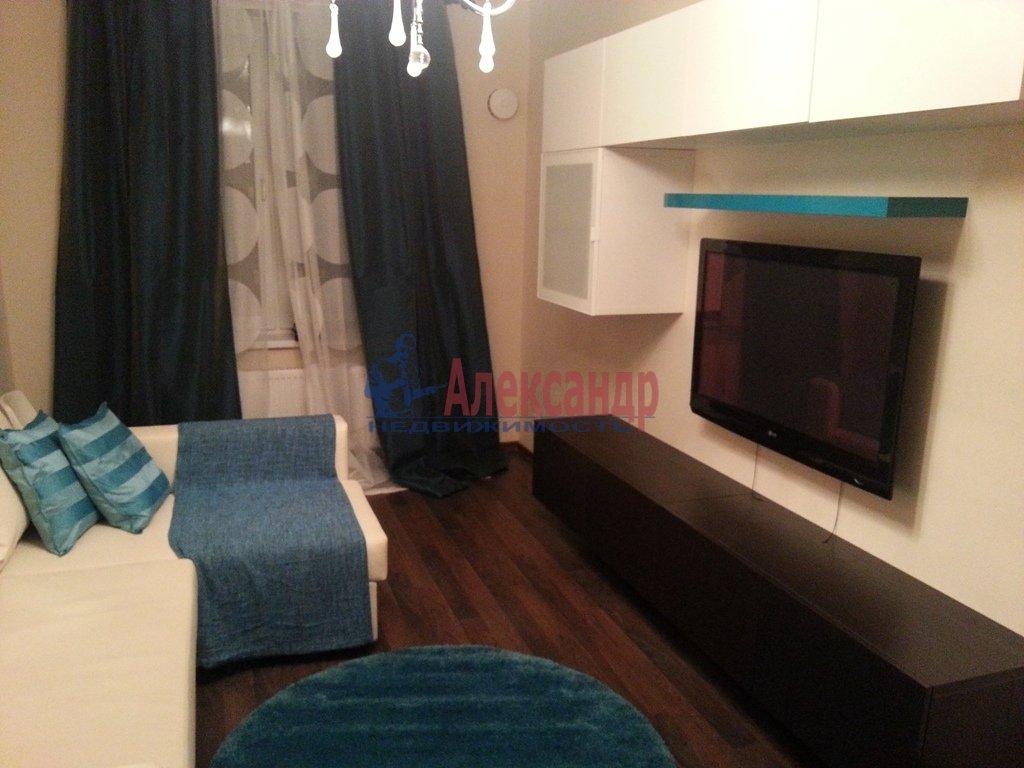 2-комнатная квартира (70м2) в аренду по адресу Народного Ополчения пр., 10— фото 10 из 17