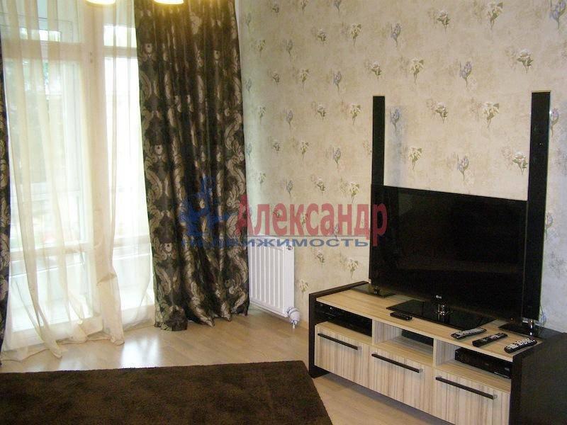 2-комнатная квартира (70м2) в аренду по адресу Шлиссельбургский пр., 24— фото 6 из 6