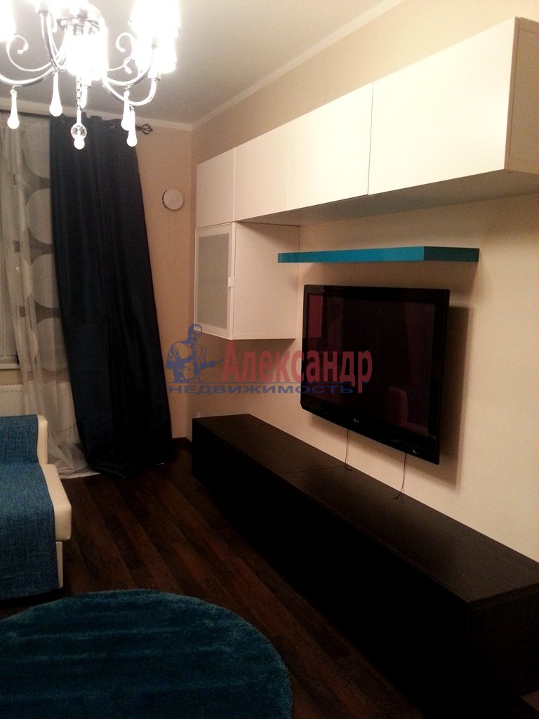 2-комнатная квартира (70м2) в аренду по адресу Народного Ополчения пр., 10— фото 11 из 17