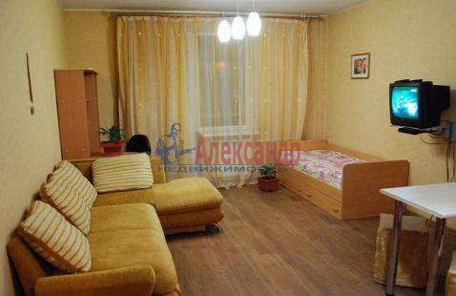 1-комнатная квартира (42м2) в аренду по адресу Комендантский пр., 17— фото 2 из 3