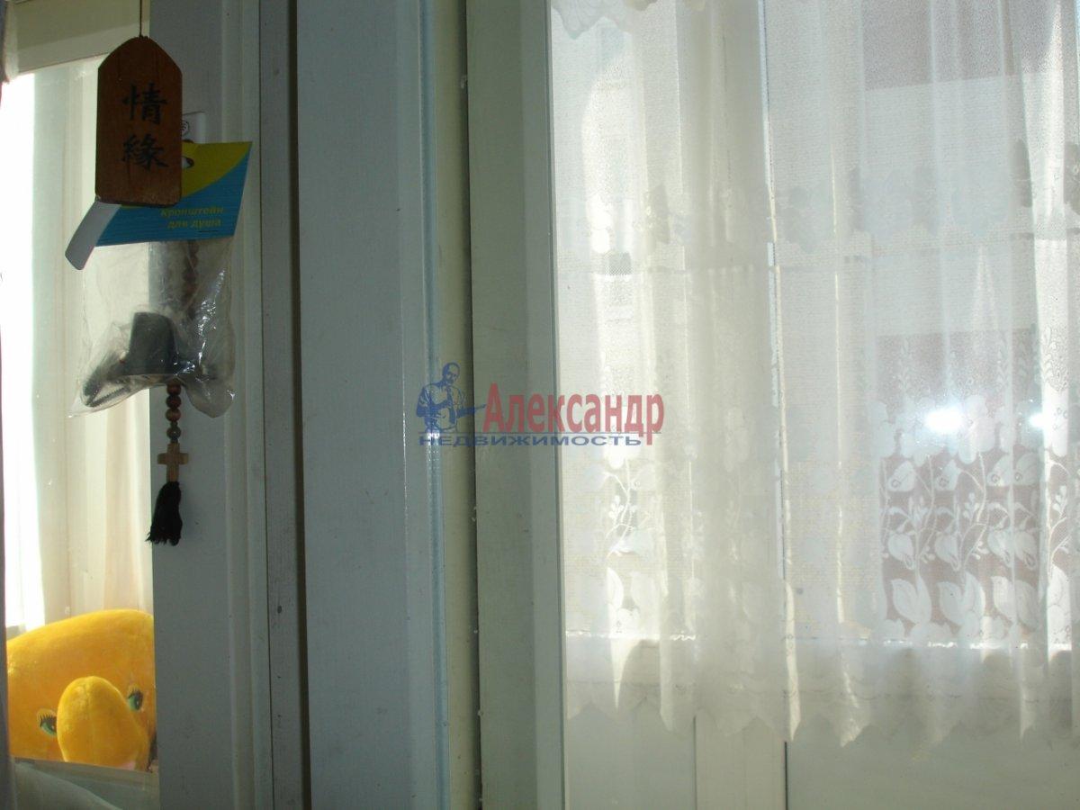 1-комнатная квартира (32м2) в аренду по адресу Заневский пр., 51— фото 4 из 6