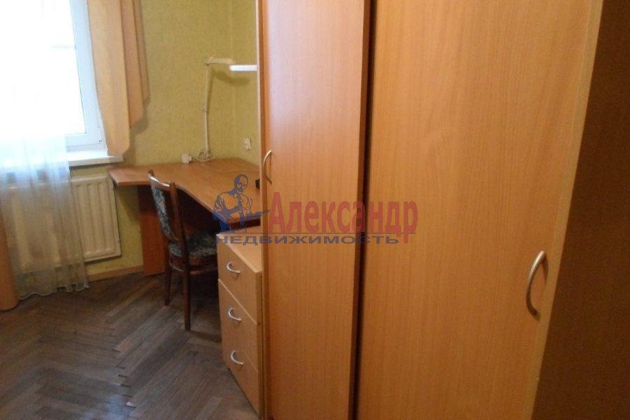 1-комнатная квартира (40м2) в аренду по адресу Гастелло ул., 13— фото 4 из 4