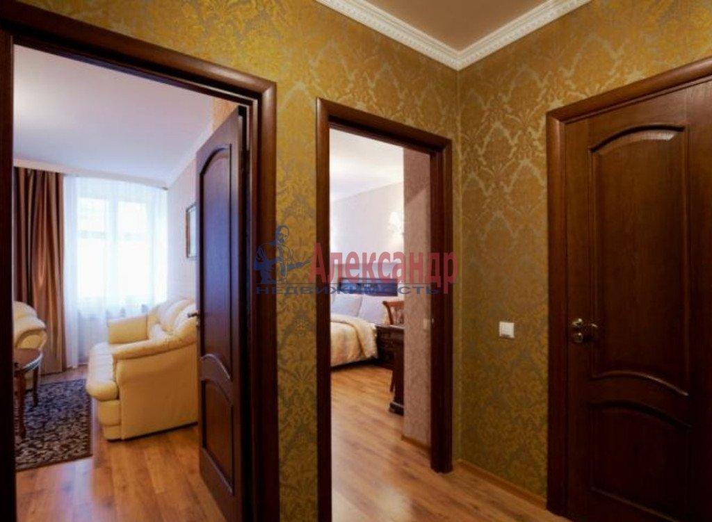 2-комнатная квартира (77м2) в аренду по адресу Московский просп., 185— фото 1 из 4