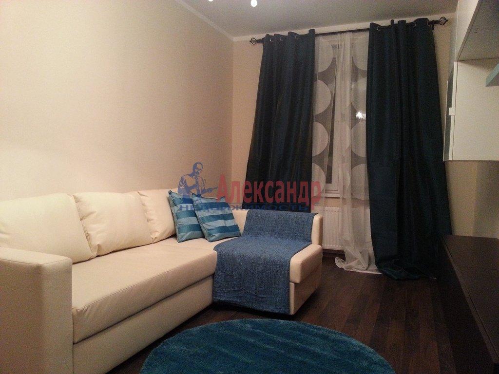 2-комнатная квартира (70м2) в аренду по адресу Народного Ополчения пр., 10— фото 12 из 17