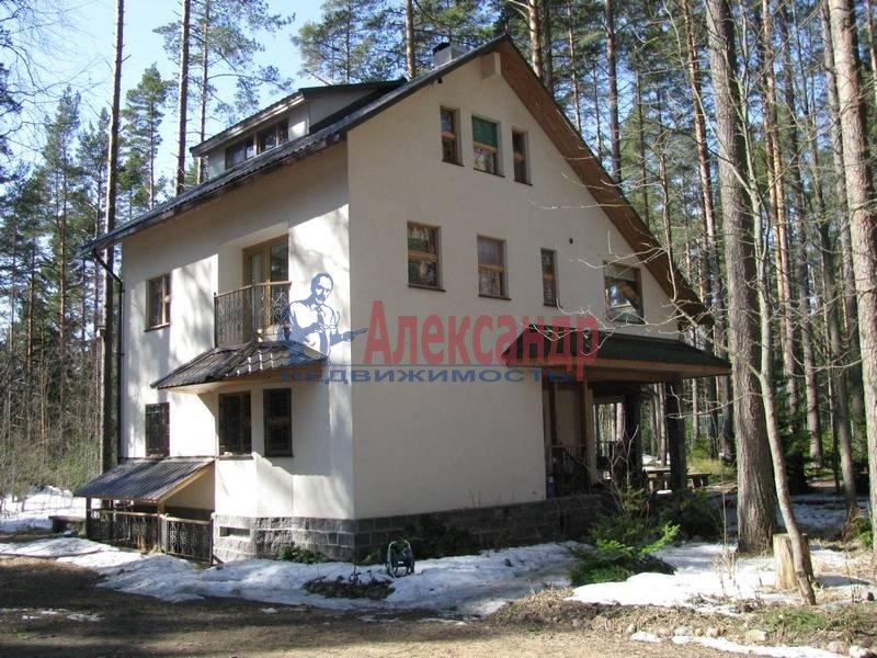 Дом (90м2) в аренду — фото 1 из 9