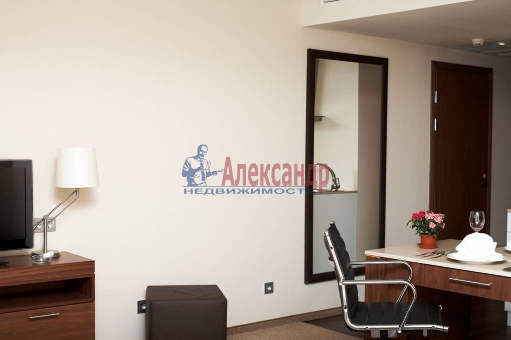 3-комнатная квартира (67м2) в аренду по адресу Московский просп., 93— фото 4 из 7