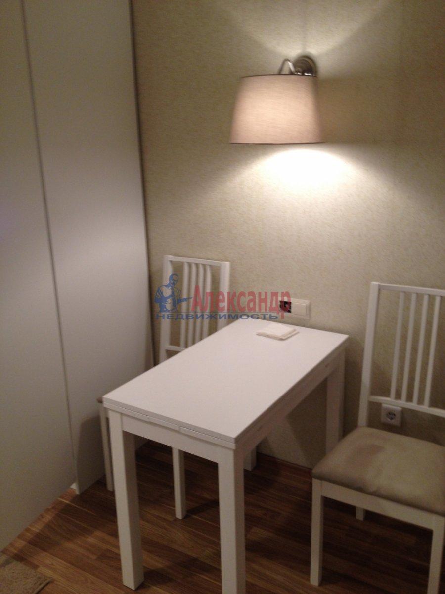 1-комнатная квартира (34м2) в аренду по адресу Мурино пос., Привокзальная пл., 1А— фото 3 из 13