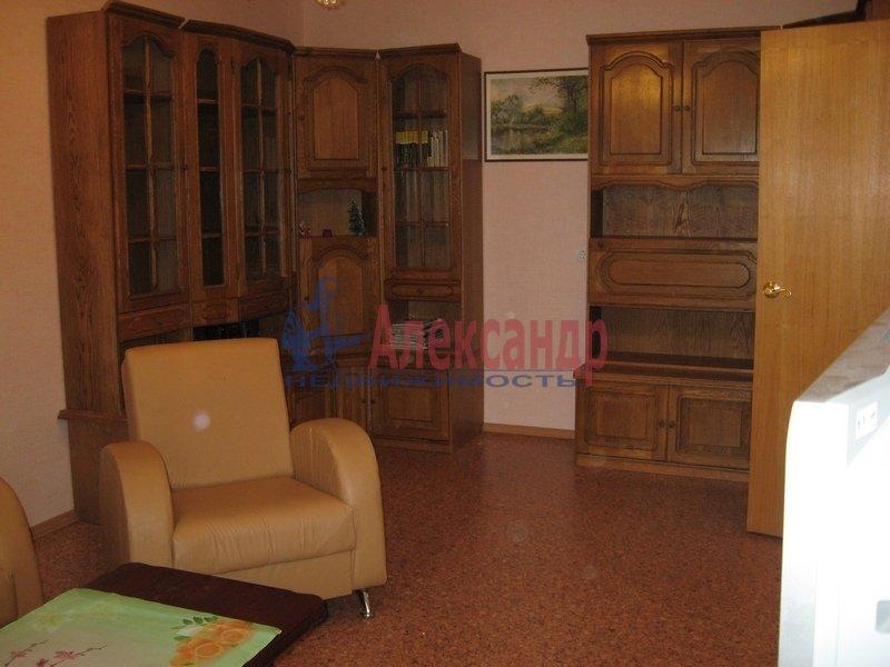 1-комнатная квартира (40м2) в аренду по адресу 1 Муринский пр., 11— фото 2 из 4