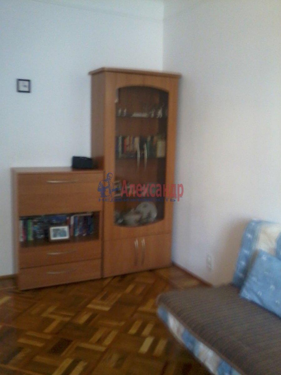 3-комнатная квартира (60м2) в аренду по адресу Чайковского ул., 51— фото 2 из 10