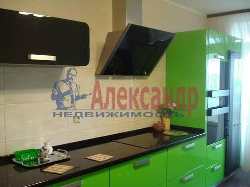 2-комнатная квартира (71м2) в аренду по адресу Есенина ул., 1— фото 5 из 10