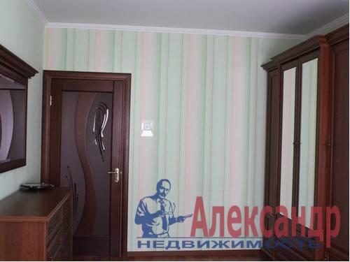 3-комнатная квартира (73м2) в аренду по адресу Стачек пр., 107— фото 3 из 6