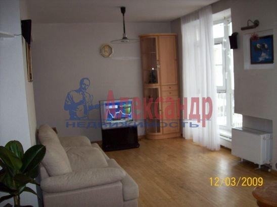2-комнатная квартира (50м2) в аренду по адресу Петровская наб., 4— фото 4 из 13