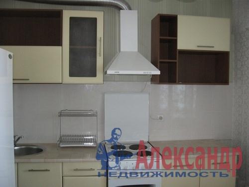 1-комнатная квартира (40м2) в аренду по адресу Комендантский пр., 13— фото 3 из 6