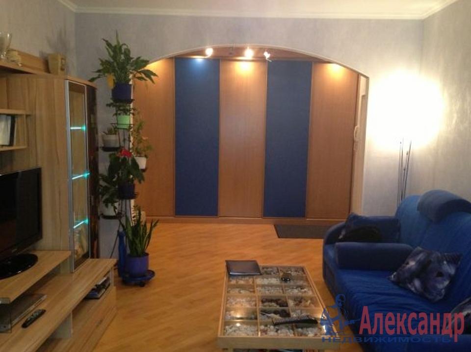 2-комнатная квартира (65м2) в аренду по адресу Комендантский пр., 8— фото 1 из 4