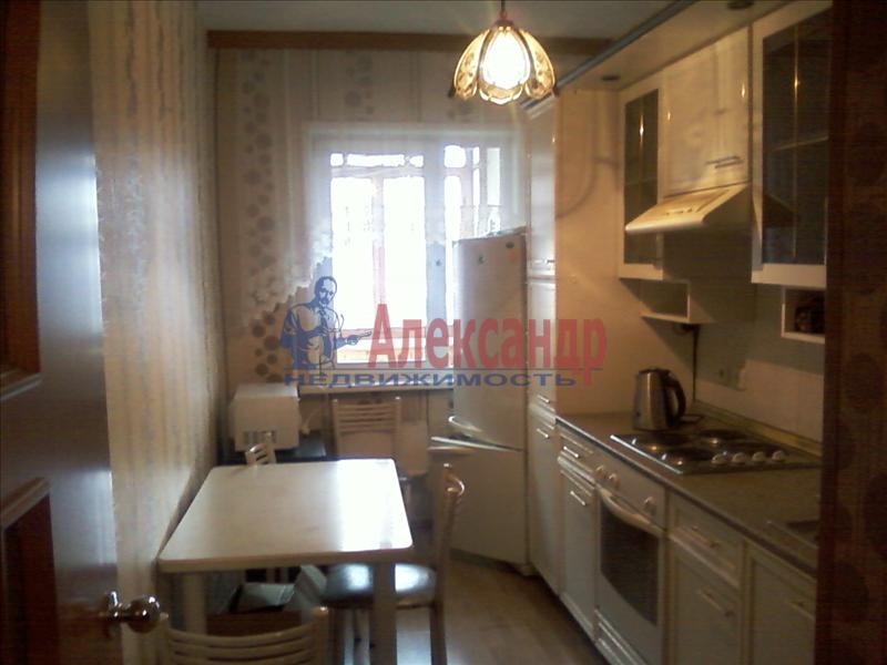 2-комнатная квартира (44м2) в аренду по адресу Двинская ул., 16— фото 1 из 4