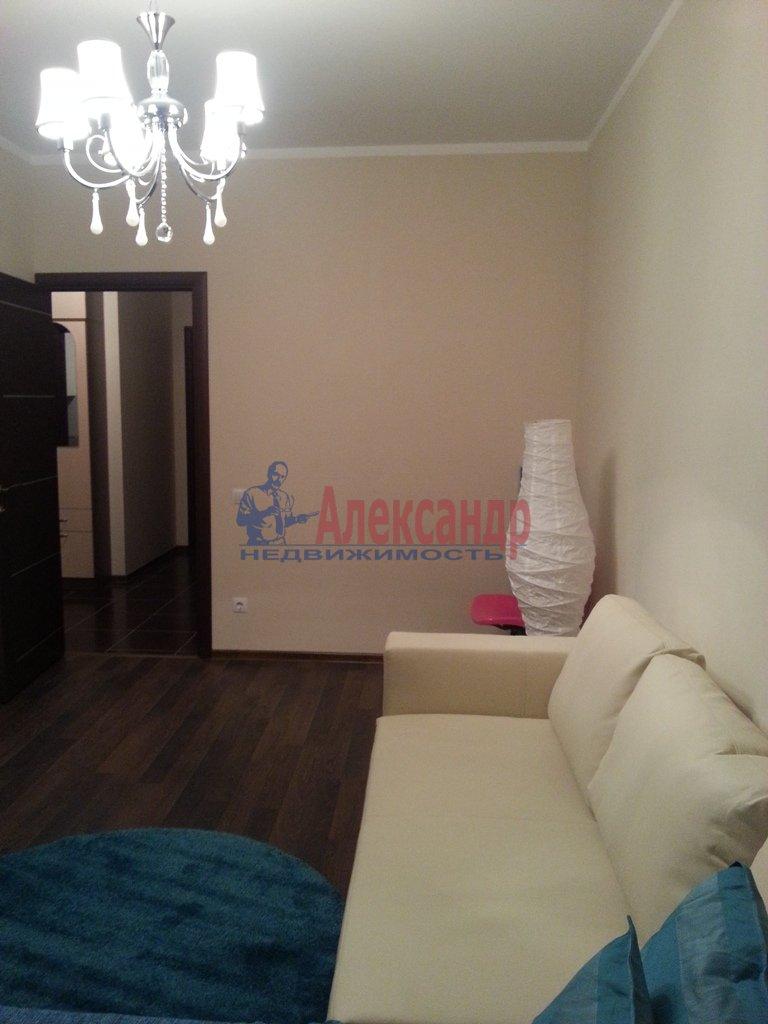 2-комнатная квартира (70м2) в аренду по адресу Народного Ополчения пр., 10— фото 14 из 17